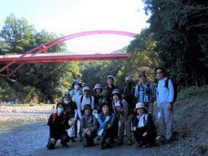 飯能河原と後の上部は割岩橋